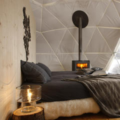 Sleeping on snow: Igloos & luxury pods - ©Whitepod