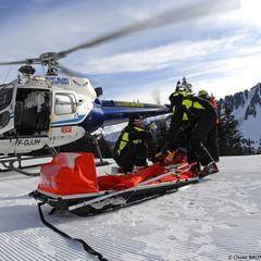 Les moyens mis en oeuvre pour vous secourir en montagne sont parfois très importants et la prise en charge de leur coût diffère selon les circonstances et le contexte de l'accident... - ©Hélico Montagne