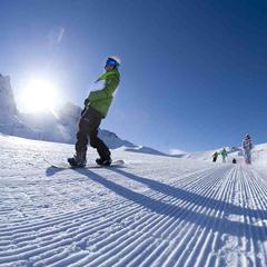Prví ranní lyžiari v Arc 1950 - © Arc 1950