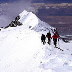 Kurz vor Erreichen des Hauptgipfels nach der Querung durch die Gipfelflanke - © www.amical.de