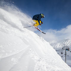 Early-Season Skiing: Arapahoe Basin  - ©Liam Doran
