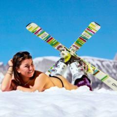 Kalendár lyžiarskych inštruktoriek z Val Gardena: Sexy pre dobrú vec - ©Scuola Sci Selva http://www.scuolasciselva.com - Robert Perathoner ski instructor & photographer - www.foto-prodigit.com
