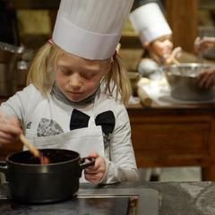 L'Atelier de cuisine de l'hôtel luxe « Les Fermes de Marie » à Megève - © Les-Fermes-de-Marie - L. Di Orio, MPM, T.Shu & DR