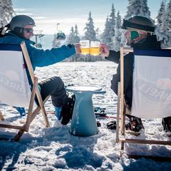 Po lyžovačke pivečko na svahu - SkiResort ČERNÁ HORA - PEC - © facebook SkiResort ČERNÁ HORA - PEC