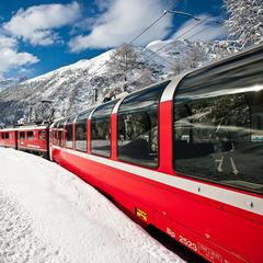 Andare a sciare in treno: 11 località facili da raggiungere - ©Valais, Switzerland