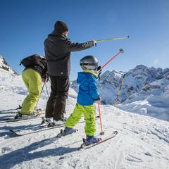 ski famille Gavarnie Gèdre - © AGENCE TOURISTIQUE DES VALLÉES DE GAVARNIE