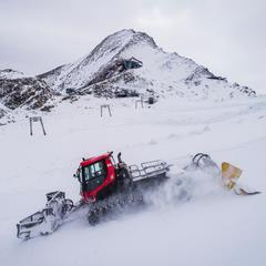 Die ersten frühen Schneefälle haben den Gletscher mit einer ersten Neuschneedecke eingehüllt. - © Kitzsteinhorn