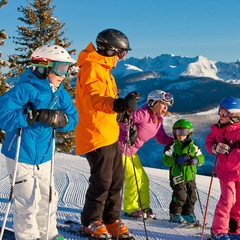 Vail Family Skiing - ©Jack Affleck