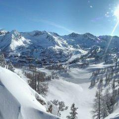 Donde esquiar esta Semana Santa. Estado de las estaciones de esquí en Alpes, España y Andorra