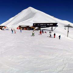 Conditions paradisiaques sur le domaine de Serre Chavalier : beaucoup de neige, un soleil généreux et pas grand monde sur les pistes...