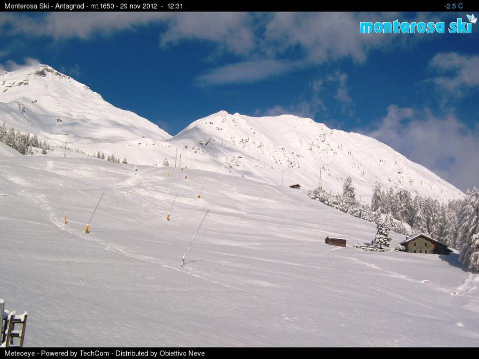 Monterosa Ski - Antagnod webcam, 29 november 2012undefined