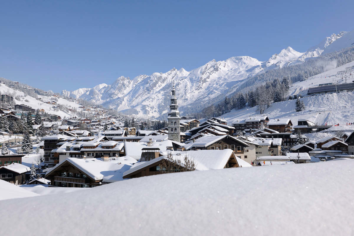 La Clusaz is a hidden gem that many skiers zoom past on their way to Chamonixundefined